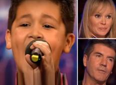 Mama je bila žalostna, ko je žirija prekinila nastop njenega sina. Ko je zapel drugo pesem ... NORO!