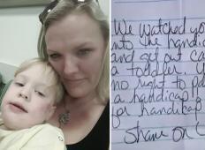 S sinom je parkirala na mestu za invalide. Ko je videla listek od neznanca, je pahnila v jok. Naj se to že enkrat neha!