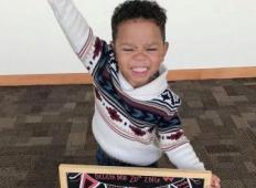 3-letni fantek je doživel težke življenjske preizkušnje. To je njegova reakcija, ko izve, da je posvojen ...