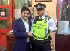 Ta šef je po terorističnem napadu v Londonu brezplačno nahranil 500 policistov in reševalcev ...