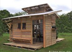 Ta hiška za 500 evrov je postavljena v enem dnevu in to s posebnim namenom ...
