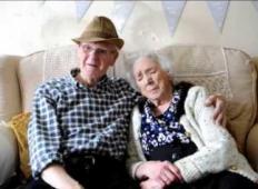 Prvič jo je videl pri devetih letih. Skupaj sta že 84 let in to je skrivnost njune dolge zveze ...