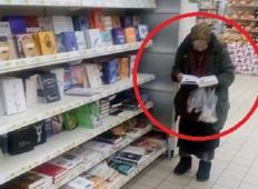 Ta babica je ostala sama in revna. Ni imela denarja, da bi si kupila knjige, zato je šef trgovine storil nekaj izjemnega ...