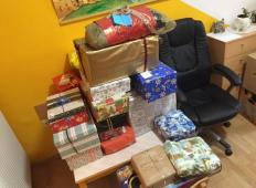 Slovenski brezdomci pišejo pisma s prazničnimi željami. Postanite njihov skriti božiček in jim polepšajte praznike ...