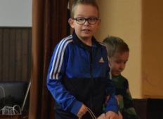 Za pomoč 9-letnemu Marku morajo ponovno zbirati zamaške. Se bo sistem v Sloveniji končno spremenil?