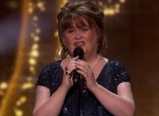 Susan Boyle se je vrnila v velikem slogu na oder talentov. To morate slišati!
