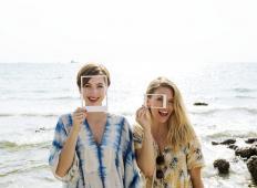 Raziskave potrjujejo: ženske naj gredo na počitnice s prijateljicami, potem bodo srečnejše in zadovoljnejše!