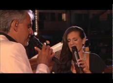 Andrea Bocelli zapel skupaj s svojo ženo. To morate videti in slišati!