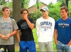 Štirje najstniki so odšli v gorečo hišo, da bi rešili 90-letno gospo!