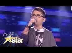 10-letni fantek zapel legendarno pesem Freddieja Mercuryja. Legendarni pevec bi bil ponosen nanj!