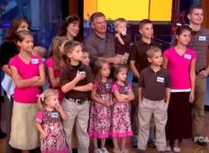 Imata kar 19 otrok. Spoznajte največjo družino na svetu!