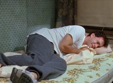Ali moški res pretiravajo, ko imajo gripo? Tole je odgovor znanstvenikov ...