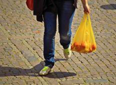 Angleška veriga trgovin začela revolucijo. Do leta 2025 se želijo znebiti plastike v svojih trgovinah!