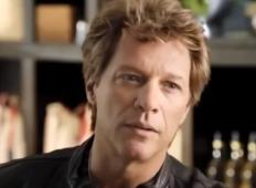 Bon Jovi ima dve restavraciji, kjer lahko revni jedo brezplačno!
