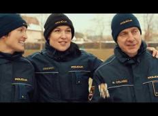 Božično voščilo policistov iz Novega mesta, ki ima pomembno sporočilo za vse Slovence …