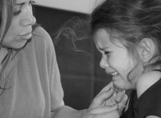 Najtežji del starševstva je gledati svojega otroka, ko se mu dogaja tole …