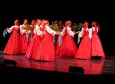 Ruske plesalke so prišle na oder. Ko so začele z nastopom, nihče ni mogel verjeti, kaj se dogaja!