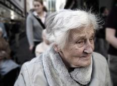 83-letna slovenska upokojenka je želela v trgovino po jajca in kruh. Kar je zanjo naredil mladenič ...