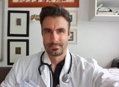 Slovenski zdravnik opozarja: Najbolj se bojte ljudi, ki nimajo težav, saj so vsi potecialno okuženi.