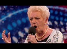 80-letna babica je prišla na šov talentov. Dvomite v njo? Ko boste slišali tole …