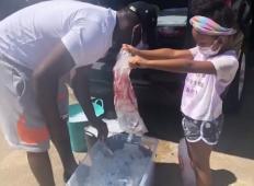 6-letna deklica več kot 500 brezdomcem dostavila pakete pomoči. To so OTROCI prihodnosti!