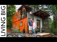 Ta par je zgradil hišo iz dveh zabojnikov! Kako fascinantno je to?