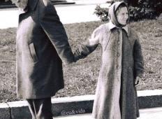 Temu se pravi resnična ljubezen. Star je 85 let in še vedno drži svojo ženo za roke, ne glede na to kam gresta!