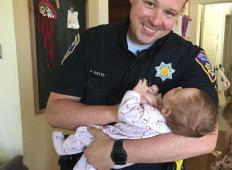 Policist je na cesti našel nosečo brezdomno žensko. Le-ta pa se ni zavedala, da se ji bo življenje obrnilo na boljše!