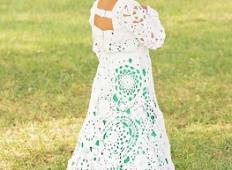 Za poročno obleko ni imela dovolj denarja.  Poglejte, kako čudovito kreacijo je ustvarila sama!
